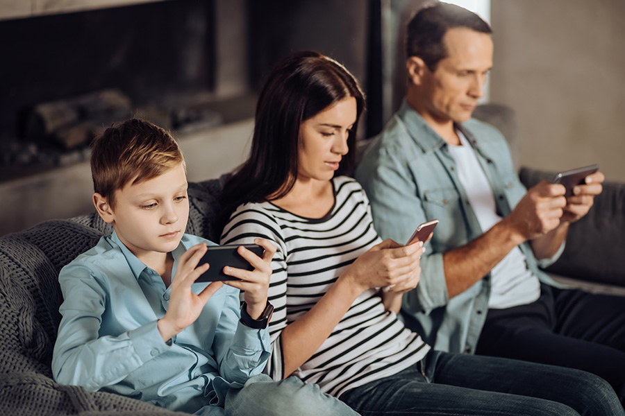 louer-smartphone-famille