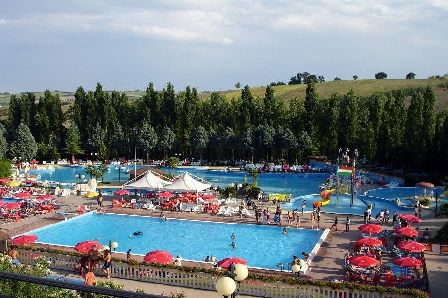 camping avec piscine en famille